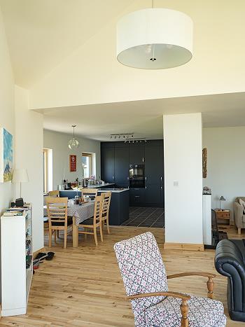 Plan ouvert salon-/salle à manger