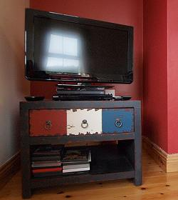 Flachbild TV und DVD/CD Spieler